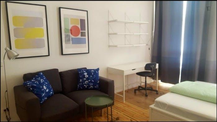 Wonderful 2-bedroom apartment Neukölln  - Gallery -  1