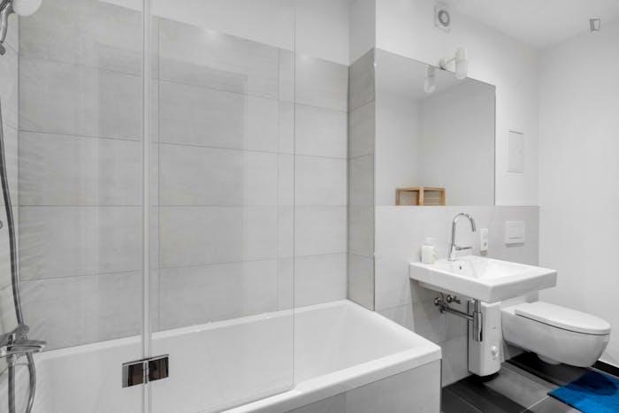 Welcoming single bedroom in Moabit  - Gallery -  2