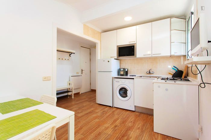 Welcoming 2-bedroom apartment in awesome La Barceloneta  - Gallery -  3