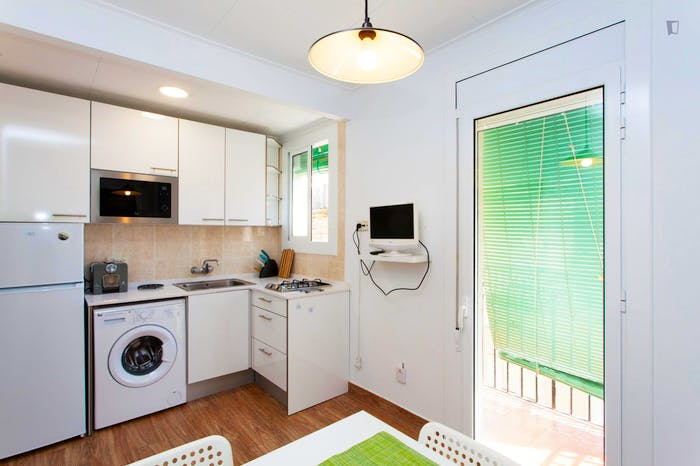 Welcoming 2-bedroom apartment in awesome La Barceloneta  - Gallery -  6
