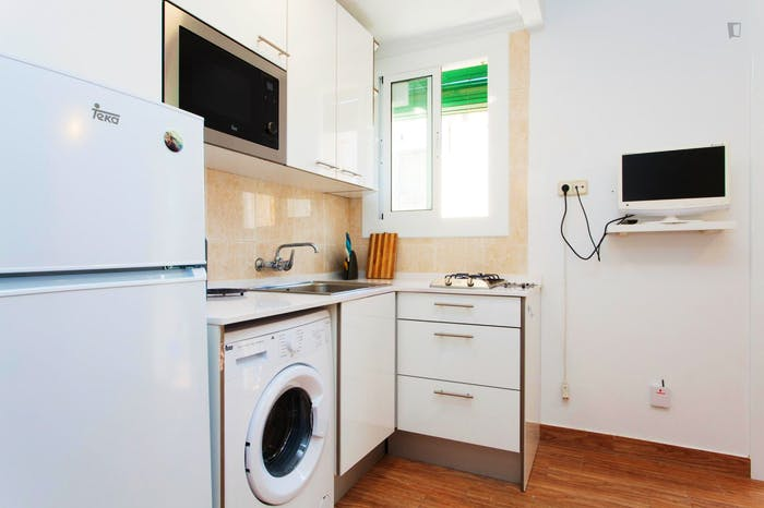 Welcoming 2-bedroom apartment in awesome La Barceloneta  - Gallery -  4