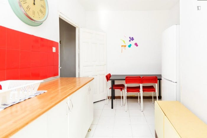 Welcoming double bedroom close to the lively La Latina area  - Gallery -  7