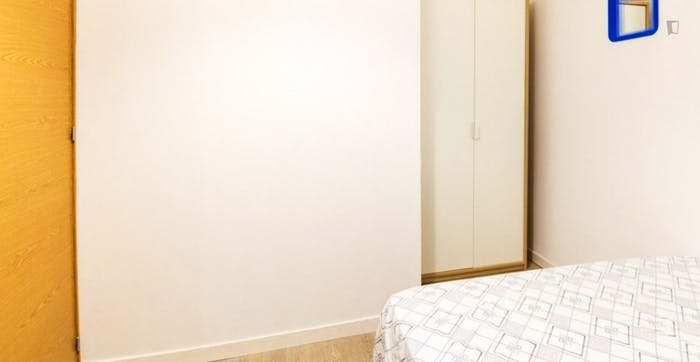 Welcoming double bedroom close to the lively La Latina area  - Gallery -  2