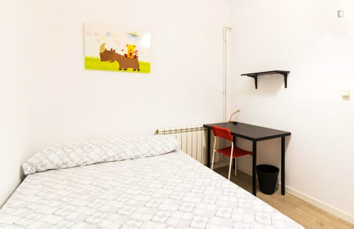Welcoming double bedroom close to the lively La Latina area  - Gallery -  1