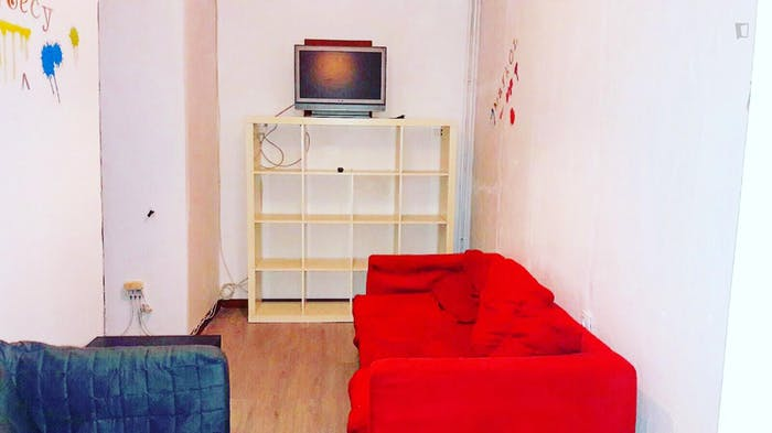 Welcoming double bedroom close to the lively La Latina area  - Gallery -  3