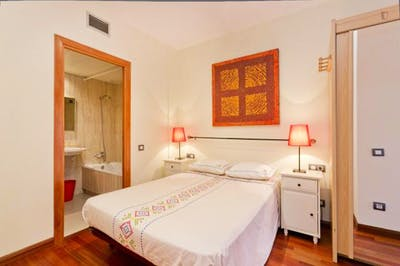 Wonderful 3-bedroom flat near the Hospital Clínic metro  - Gallery -  1