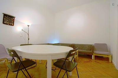 Trendy single bedroom near teh Puerta del Sol  - Gallery -  2