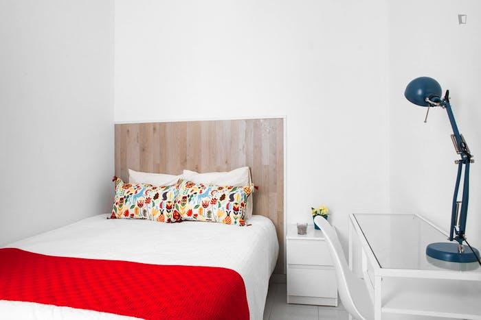 Very neat double bedroom in historic Barrio Gótico  - Gallery -  2