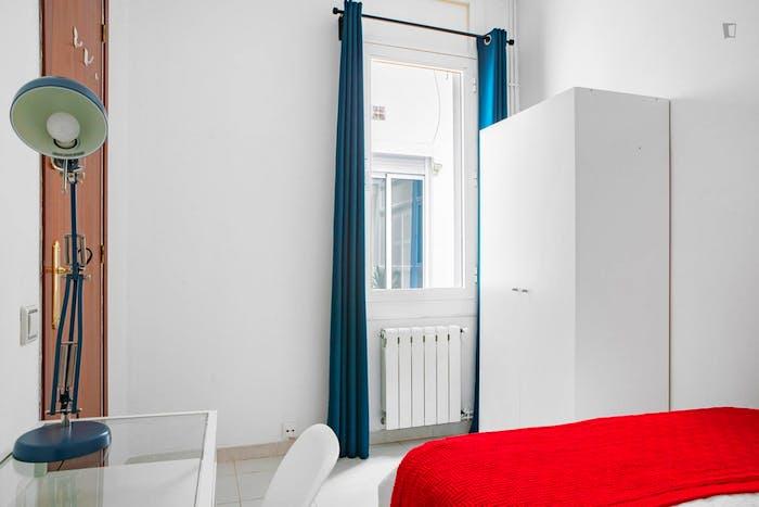 Very neat double bedroom in historic Barrio Gótico  - Gallery -  3