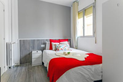 Sublime double bedroom in a student flat, in Goya  - Gallery -  1