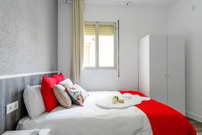 Sublime double bedroom in a student flat, in Goya  - Gallery -  2
