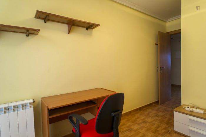 Very nice single bedroom near the Plaza Toneleros  - Gallery -  3