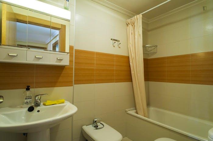 Very nice single bedroom near the Plaza Toneleros  - Gallery -  9