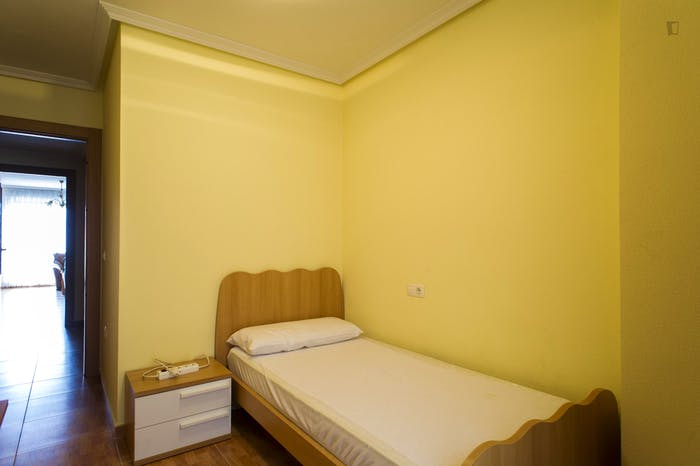Very nice single bedroom near the Plaza Toneleros  - Gallery -  2