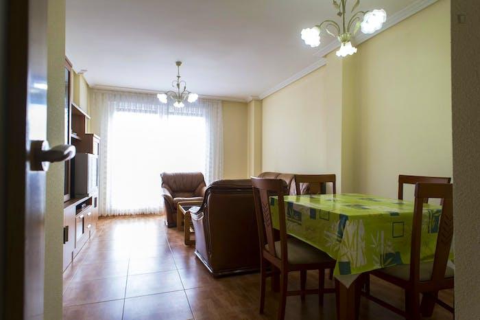 Very nice single bedroom near the Plaza Toneleros  - Gallery -  4