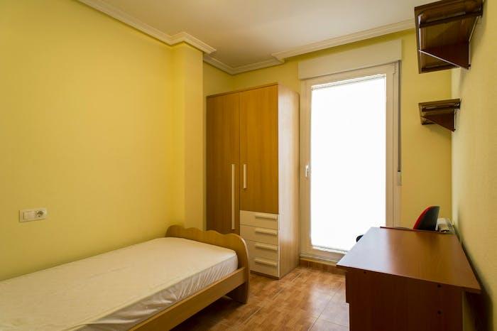 Very nice single bedroom near the Plaza Toneleros  - Gallery -  1