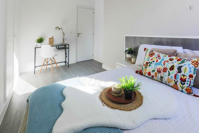Welcoming double bedroom in Delicias  - Gallery -  4