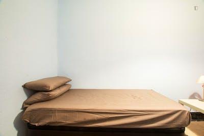 Very nice single bedroom in the well-connected Ventas neighbourhood  - Gallery -  3