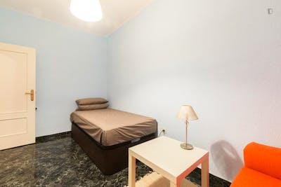Very nice single bedroom in the well-connected Ventas neighbourhood  - Gallery -  2
