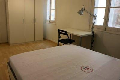 Very cool double bedroom near the Facultad de Comercio y Turismo  - Gallery -  2