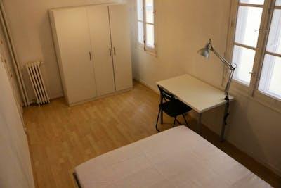 Very cool double bedroom near the Facultad de Comercio y Turismo  - Gallery -  3