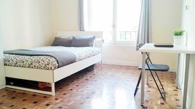 Welcoming double bedroom near Universidad Pontificia Comillas ICAI-ICADE  - Gallery -  1