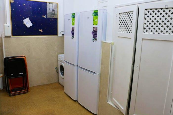 Welcoming double bedroom near Universidad Pontificia Comillas ICAI-ICADE  - Gallery -  7