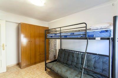 Warm single bedroom in Poblats Marítims  - Gallery -  2