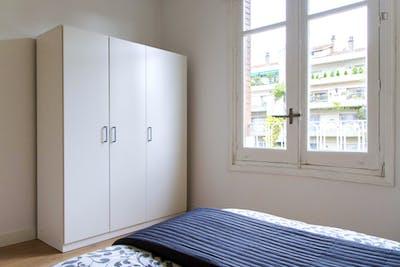 Tasteful double bedroom in student-friendly Arapiles neighbourhood  - Gallery -  2