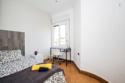 Welcoming single bedroom near the Clot metro  - Gallery -  1