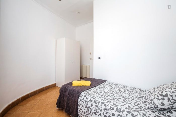 Welcoming single bedroom near the Clot metro  - Gallery -  4