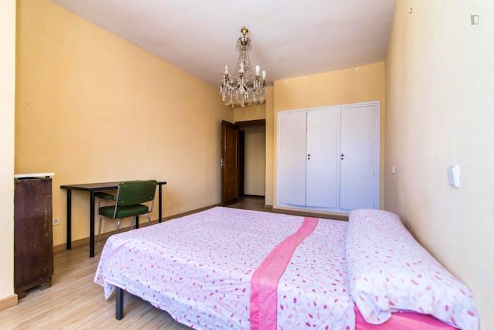 Very nice double bedroom close to the Thyssen-Bornemisza Museum  - Gallery -  3