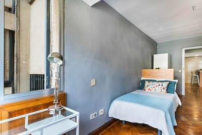 Welcoming single bedroom in Mestalla  - Gallery -  2