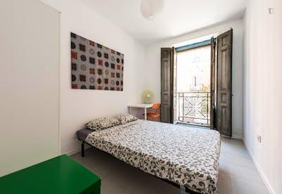 Super cool double bedroom in pleasant Sol area  - Gallery -  1