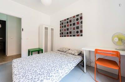 Super cool double bedroom in pleasant Sol area  - Gallery -  3