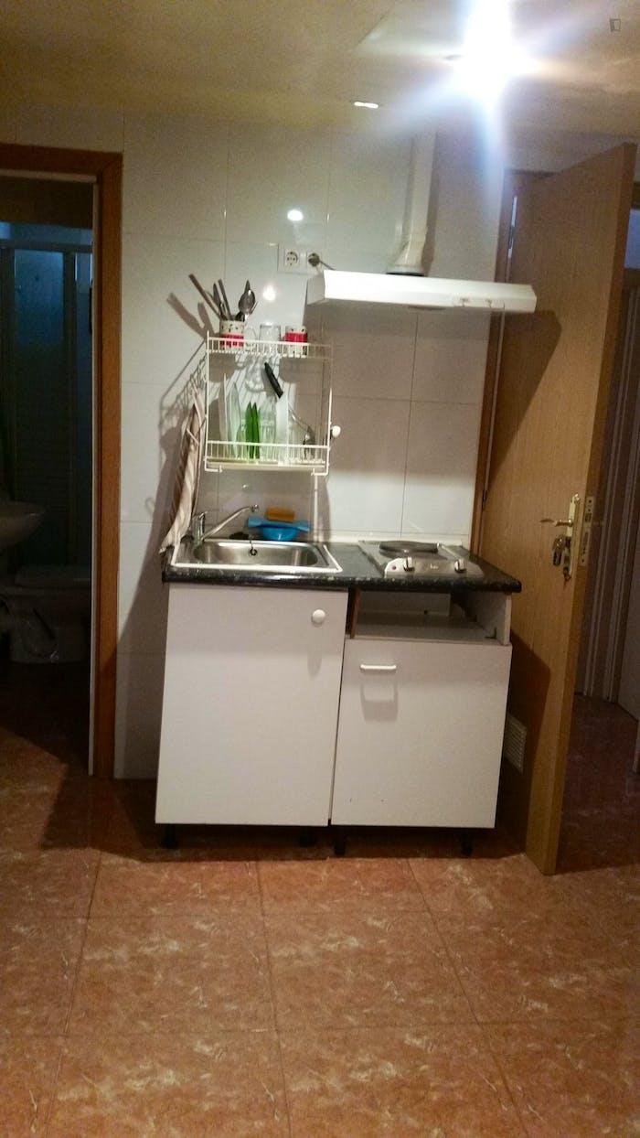 Very comfy studio in L'Hospitalet de Llobregat  - Gallery -  6