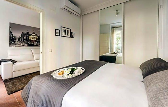 Wonderful 1-bedroom apartment near UNED - Facultad de Derecho  - Gallery -  3