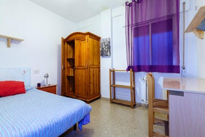 Very cool single bedroom located in Figares  - Gallery -  1