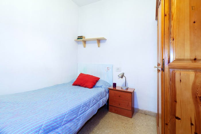Very cool single bedroom located in Figares  - Gallery -  4