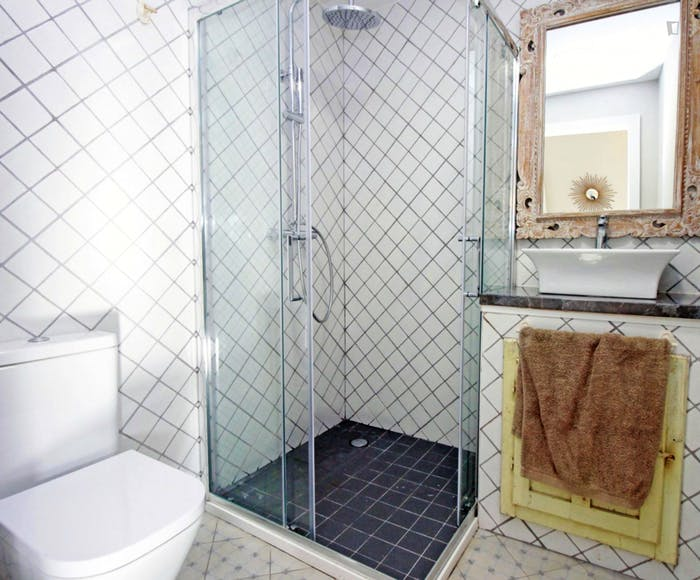 Vintage double ensuite bedroom w/bathroom Gracia north, in co-living house 2.3  - Gallery -  4