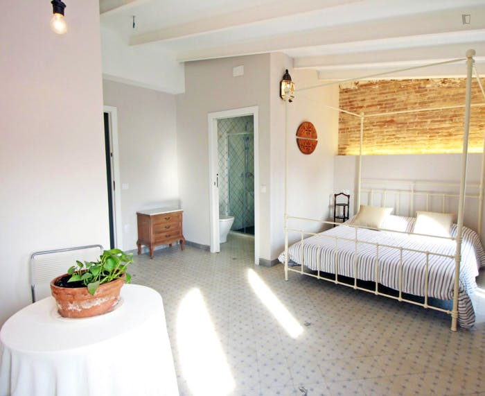 Vintage double ensuite bedroom w/bathroom Gracia north, in co-living house 2.3  - Gallery -  3