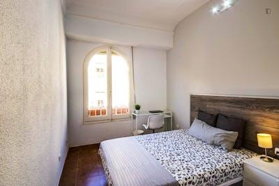 Student-friendly double bedroom near La Seu de València  - Gallery -  1