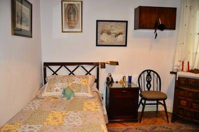 Wonderful single bedroom near Diego de León metro station  - Gallery -  2