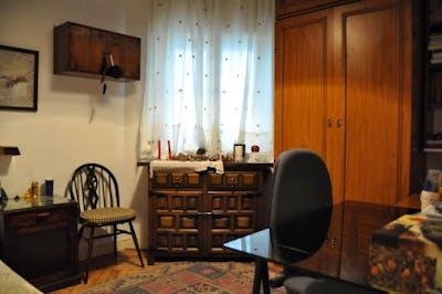 Wonderful single bedroom near Diego de León metro station  - Gallery -  3