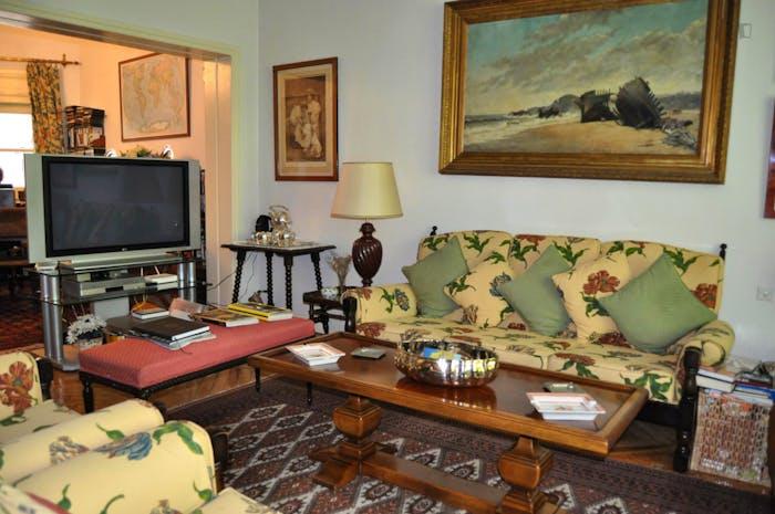 Wonderful single bedroom near Diego de León metro station  - Gallery -  6