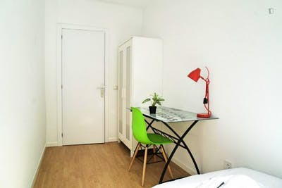 Sublime single bedroom near the Arguelles metro station  - Gallery -  2