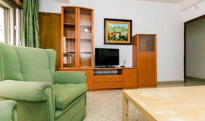 Very cute single bedroom near Parque García Lorca  - Gallery -  2