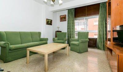 Very cute single bedroom near Parque García Lorca  - Gallery -  1
