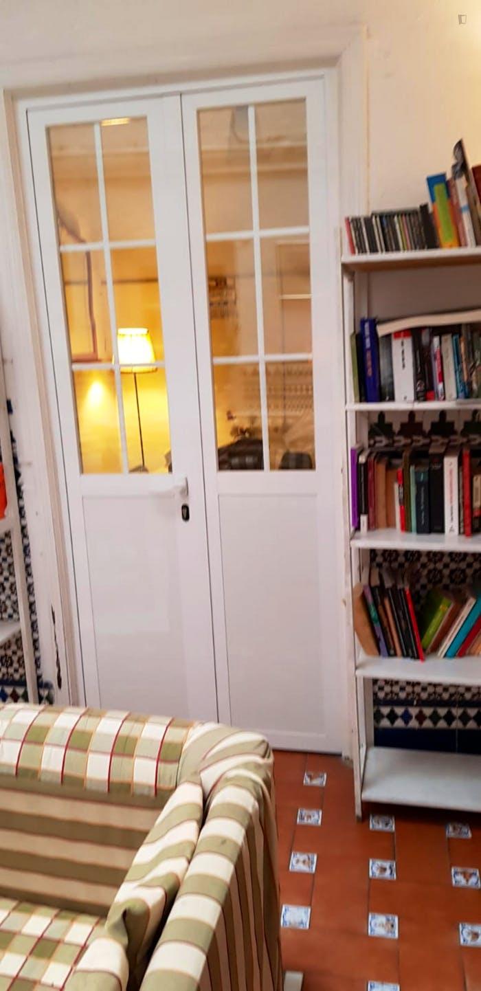Very cosy double bedroom in Regina  - Gallery -  6