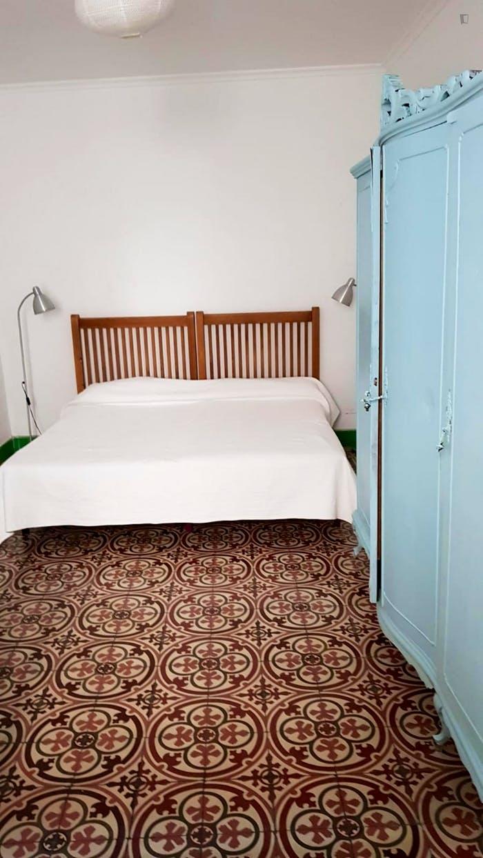 Very cosy double bedroom in Regina  - Gallery -  1